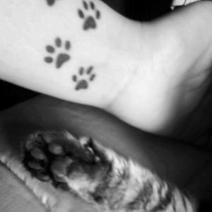 huellas de gato tattoo tatuajes 7 300x300