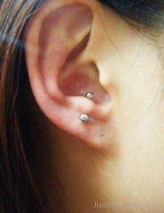 piercing anti tragus 3 231x300