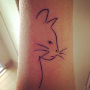 tatuaje de silueta gato felinos mascotas 11 300x300
