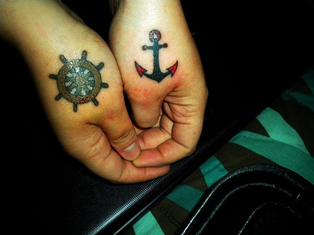 tatuajes anclas parejas 5 - tatuajes de anclas