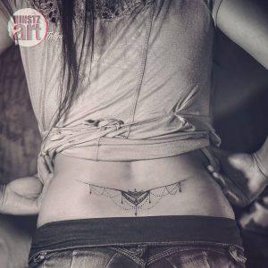 tatuajes atrevidos tattoo intimos para mujeres 2 300x300