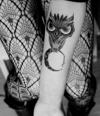 tatuajes-buhos-para-mujeres-2