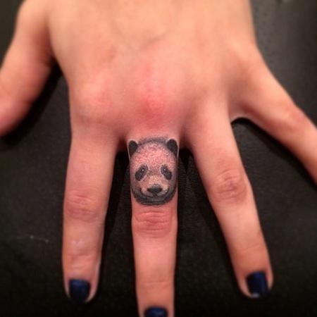 tatuajes de animales en los dedos 7 150x150