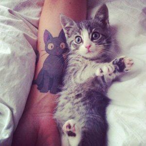 tatuajes de gatos en la muñeca gatitos 5 300x300