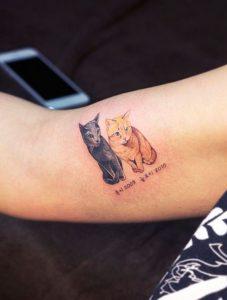 tatuajes de gatos para hombres felinos 1 227x300