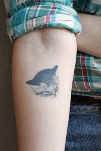tatuajes de gatos para hombres felinos 23 200x300
