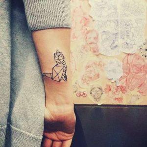 tatuajes de gatos para hombres felinos 25 300x300