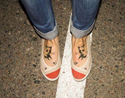 tatuajes-de-gatos-para-mujeres-mascotas-pie-1