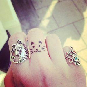 tatuajes de gatos pequeños mascotas felinos 28 300x300