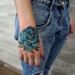 tatuajes de rosas azules 3 150x150