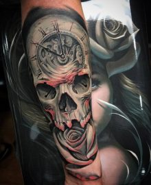 tatuajes-de-rosas-con-caravelas-5