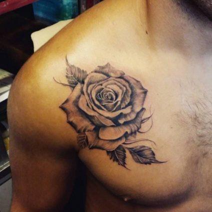tatuajes-de-rosas-en-el-hombro-5