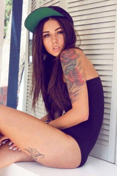 tatuajes-de-rosas-en-el-hombro-6