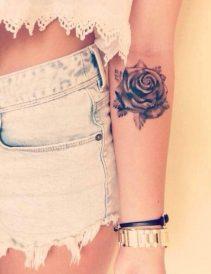 tatuajes-de-rosas-negras-2