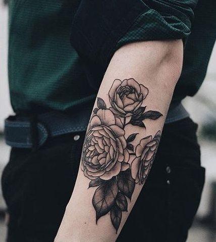 tatuajes de rosas para hombres 1 e1486136318674 - tatuajes de rosas