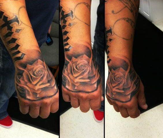 tatuajes de rosas para hombres 2 e1486136343721 - tatuajes de rosas