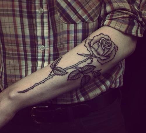 tatuajes de rosas para hombres 3 - tatuajes de rosas