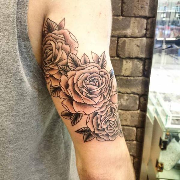 tatuajes de rosas para hombres 5 - tatuajes de rosas