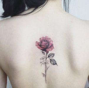 tatuajes-de-rosas-para-mujeres-2