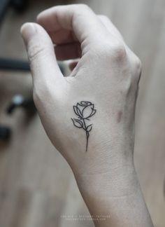 tatuajes-de-rosas-pequenas-2