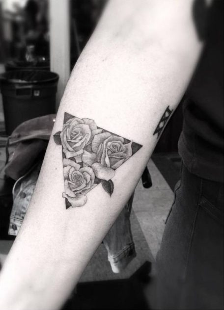 tatuajes-de-rosas-pequenas-6