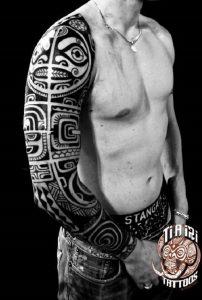 tatuajes maories en el brazo polinesios tattoo 2 202x300