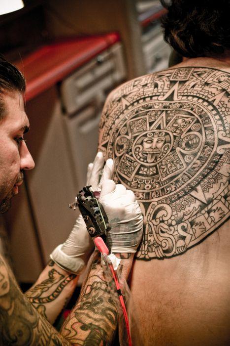 tatuajes sol azteca 1 - tatuajes del sol