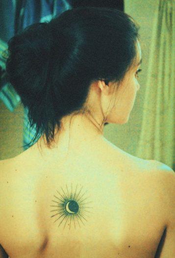 tatuajes-sol-para-mujeres-12