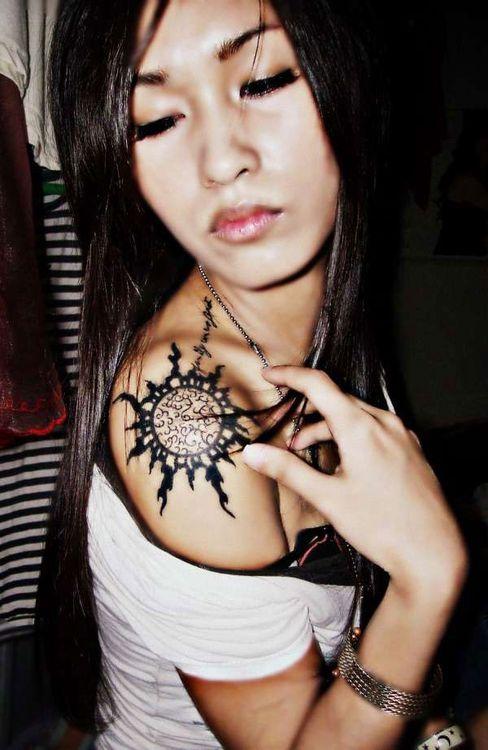 tatuajes sol para mujeres 6 - tatuajes del sol