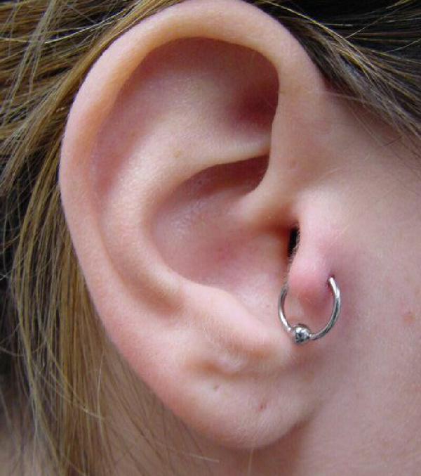 tragus piercing 18 - tragus