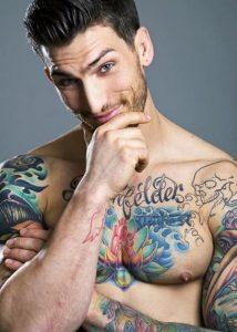 tatuajes de famosos Adam Von Rothfelder3 214x300