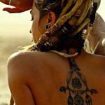 tatuajes de mujeres rastas 3 150x150