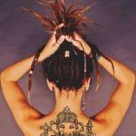 tatuajes de mujeres rastas 5 150x150