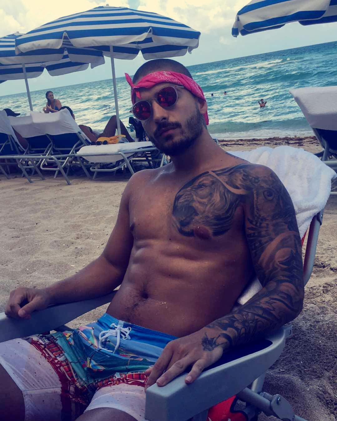 Maluma tells us the meaning of his tattoos (Video)