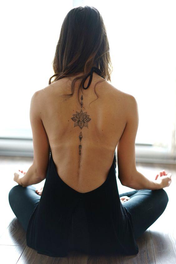 tatuajes mandalas espalda 5