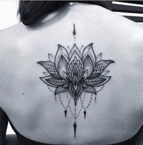 tatuajes mandalas flor loto 5 295x300