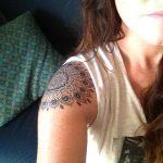 tatuajes mandalas hombro brazo 1 150x150