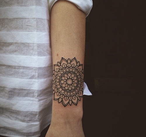 tatuajes mandalas hombro brazo 5