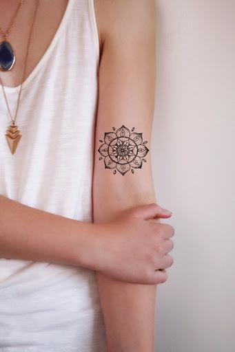 tatuajes mandalas mujeres 7