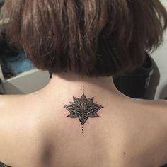tatuajes mandalas nuca 1