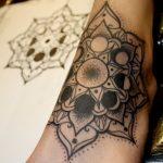 tatuajes mandalas pie 3 150x150