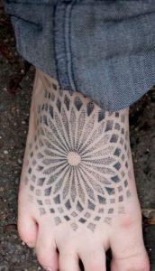 tatuajes mandalas pie 4 172x300