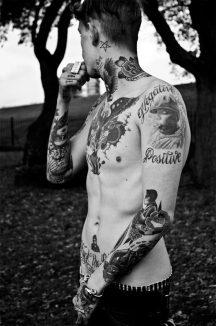 tatuajes para hombres hombres flacos delgados (3)