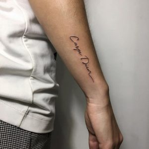 tatuajes carpe diem muñeca 1 300x300