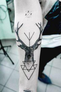 tatuajes hipster de venado 2 200x300