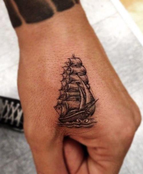 tatuajes chicas trabajo de mano