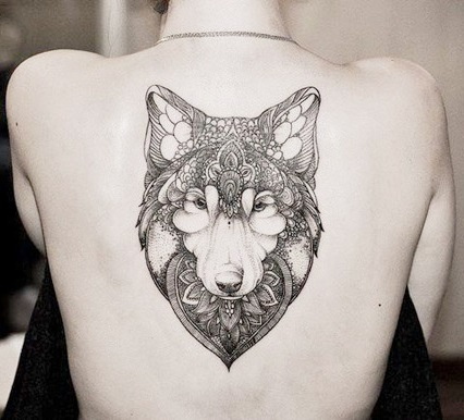 tatuajes lobos espalda 5 - tatuajes de lobos