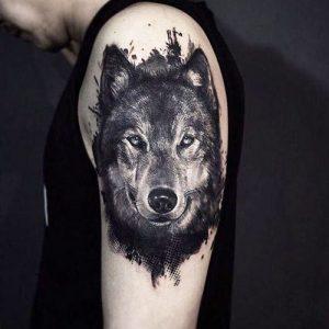 tatuajes lobos hombro brazos 3 300x300