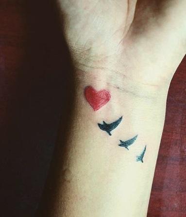tattoo-chicos-chiquitos-corazones (1)