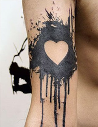 tattoo corazon para hombres 4 - tatuajes de corazones